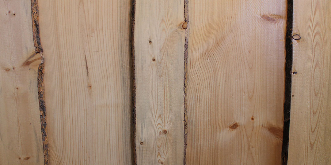 Board and Bat 2 Sided Wavy Edge Bark On